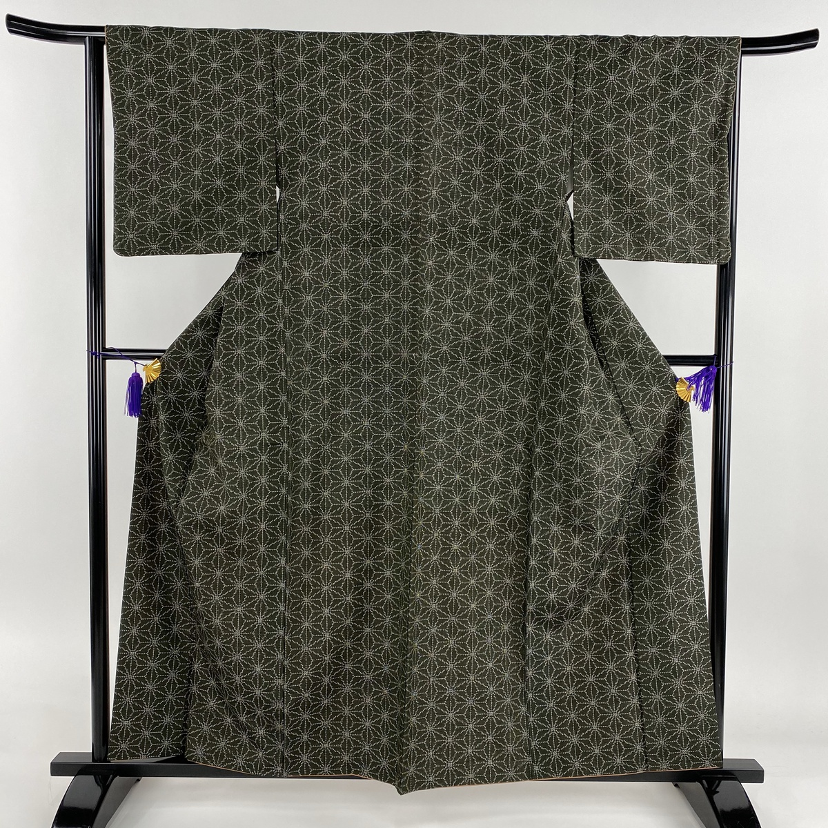 紬 美品 秀品 麻の葉 茶緑色 袷 身丈160cm 裄丈65.5cm M 正絹 【中古】