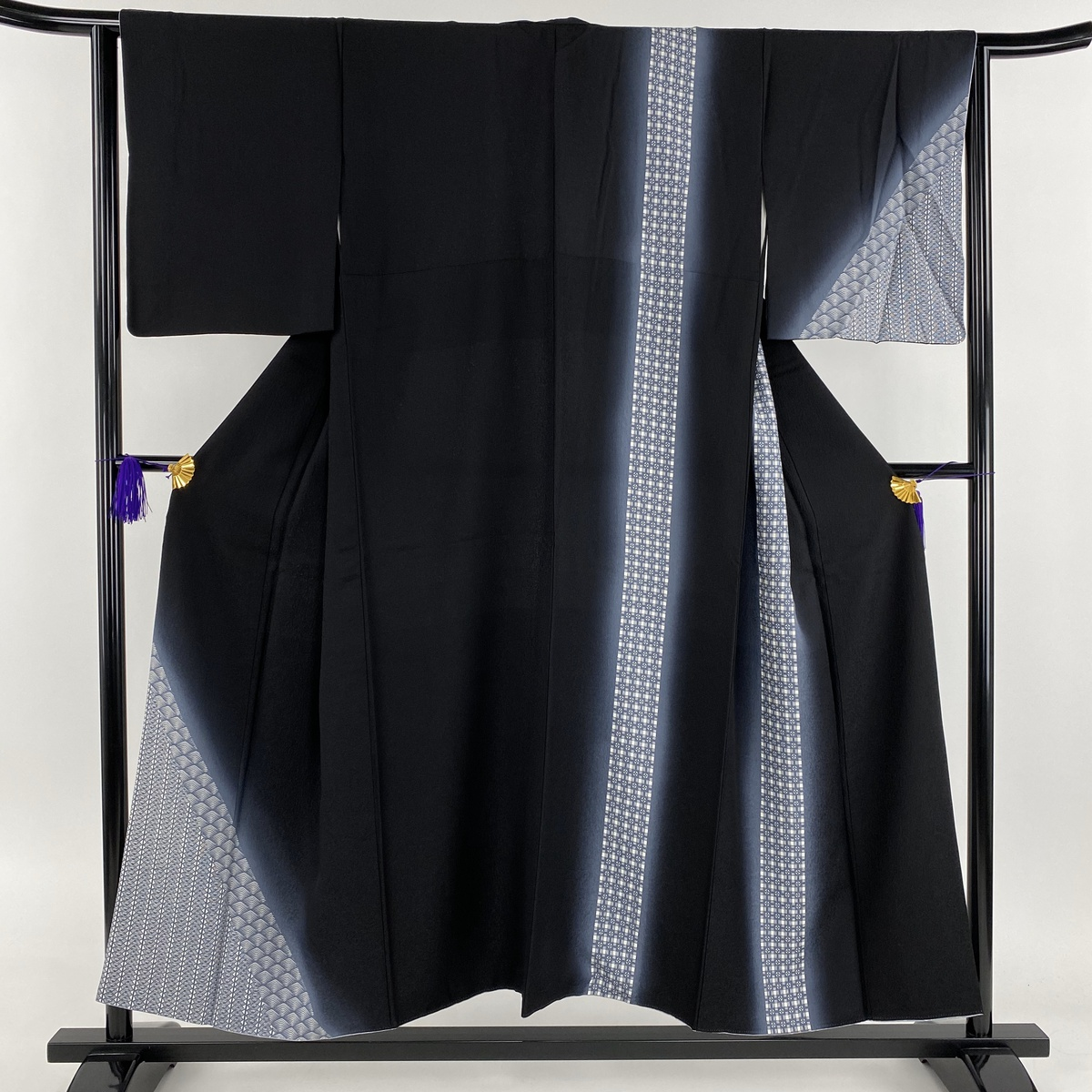 付下げ 美品 名品 扇 幾何学文様 ぼかし 黒 袷 身丈152cm 裄丈65.5cm M 正絹 【中古】