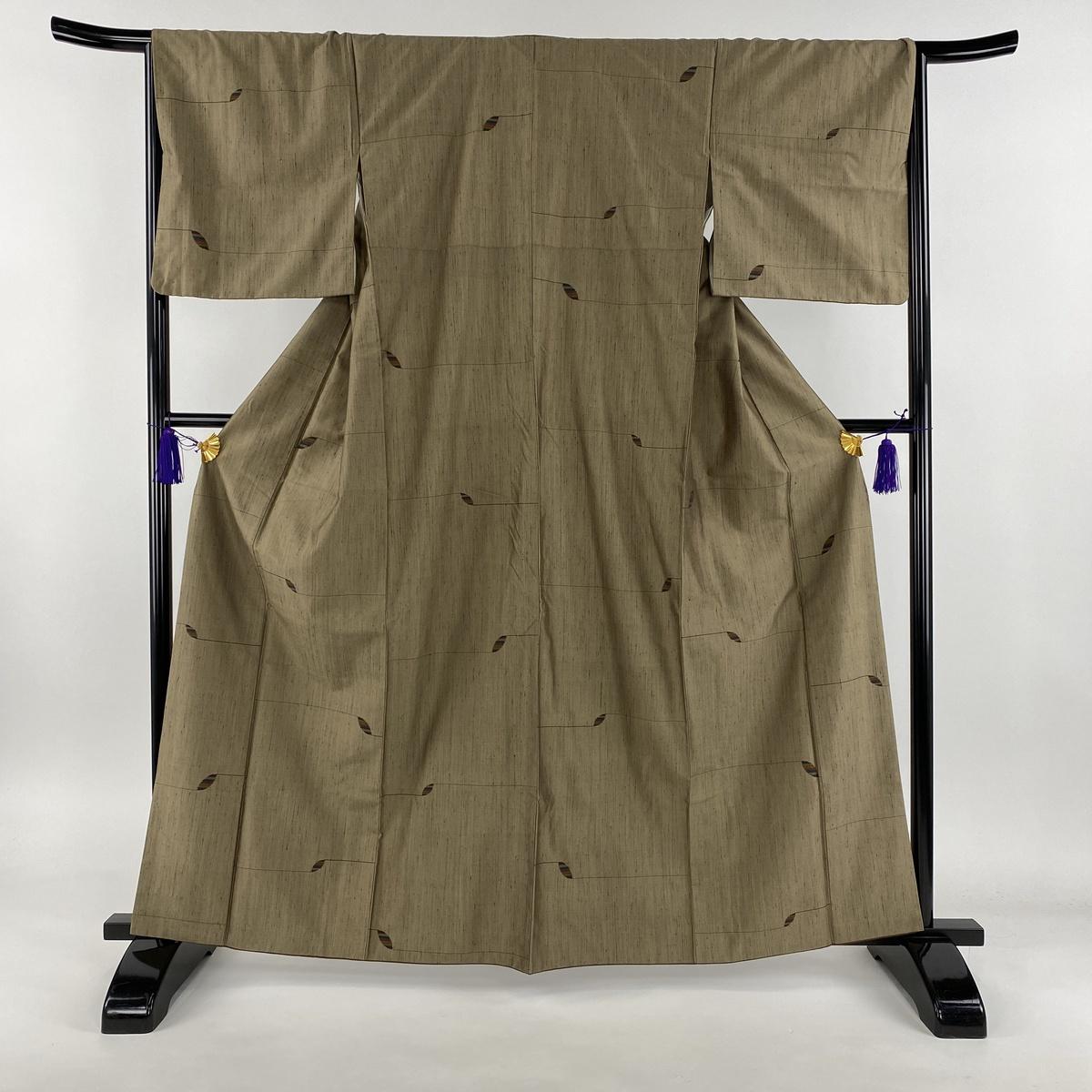 紬 美品 秀品 幾何学模様 茶緑色 袷 身丈163cm 裄丈66.5cm M 正絹 【中古】