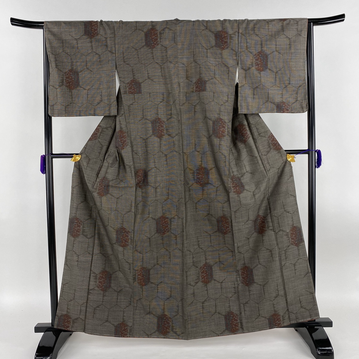 大島紬 美品 名品 亀甲 幾何学模様 焦茶色 袷 身丈162.5cm 裄丈66cm M 正絹 【中古】