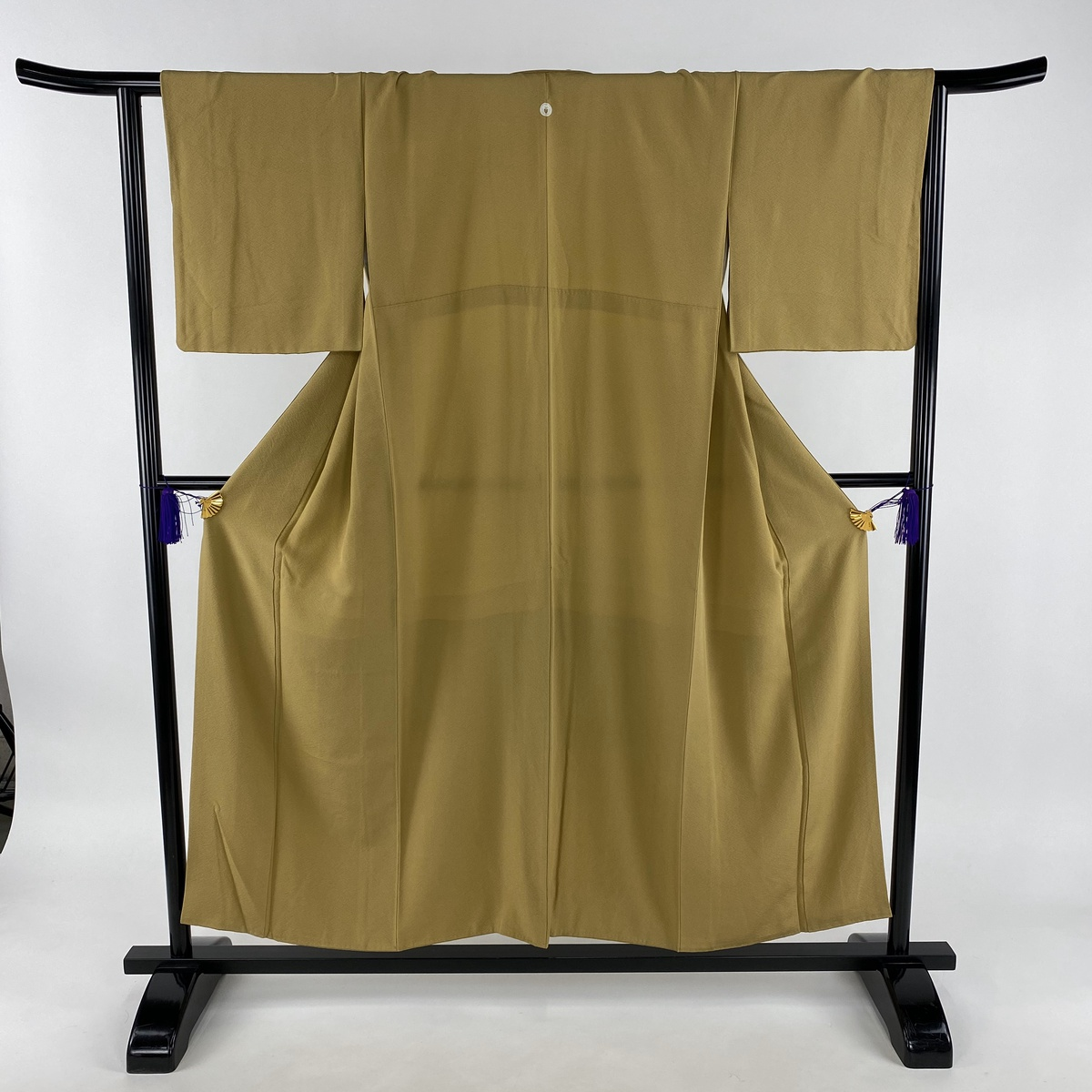 色無地 美品 秀品 一つ紋 黄土色 袷 身丈153cm 裄丈63cm S 正絹 【中古】