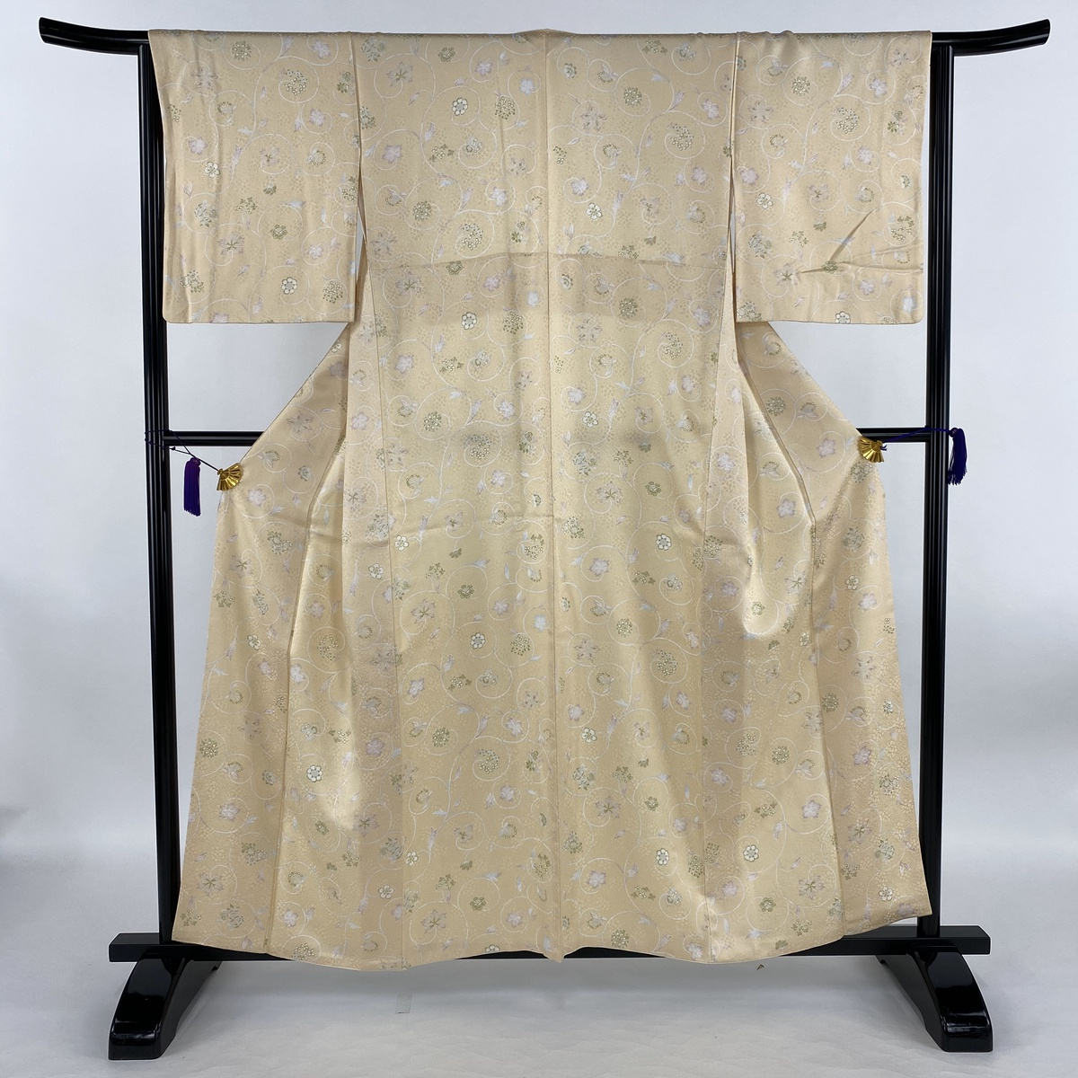 小紋 美品 名品 花唐草 クリーム 袷 身丈158.5cm 裄丈65.5cm M 正絹 【中古】