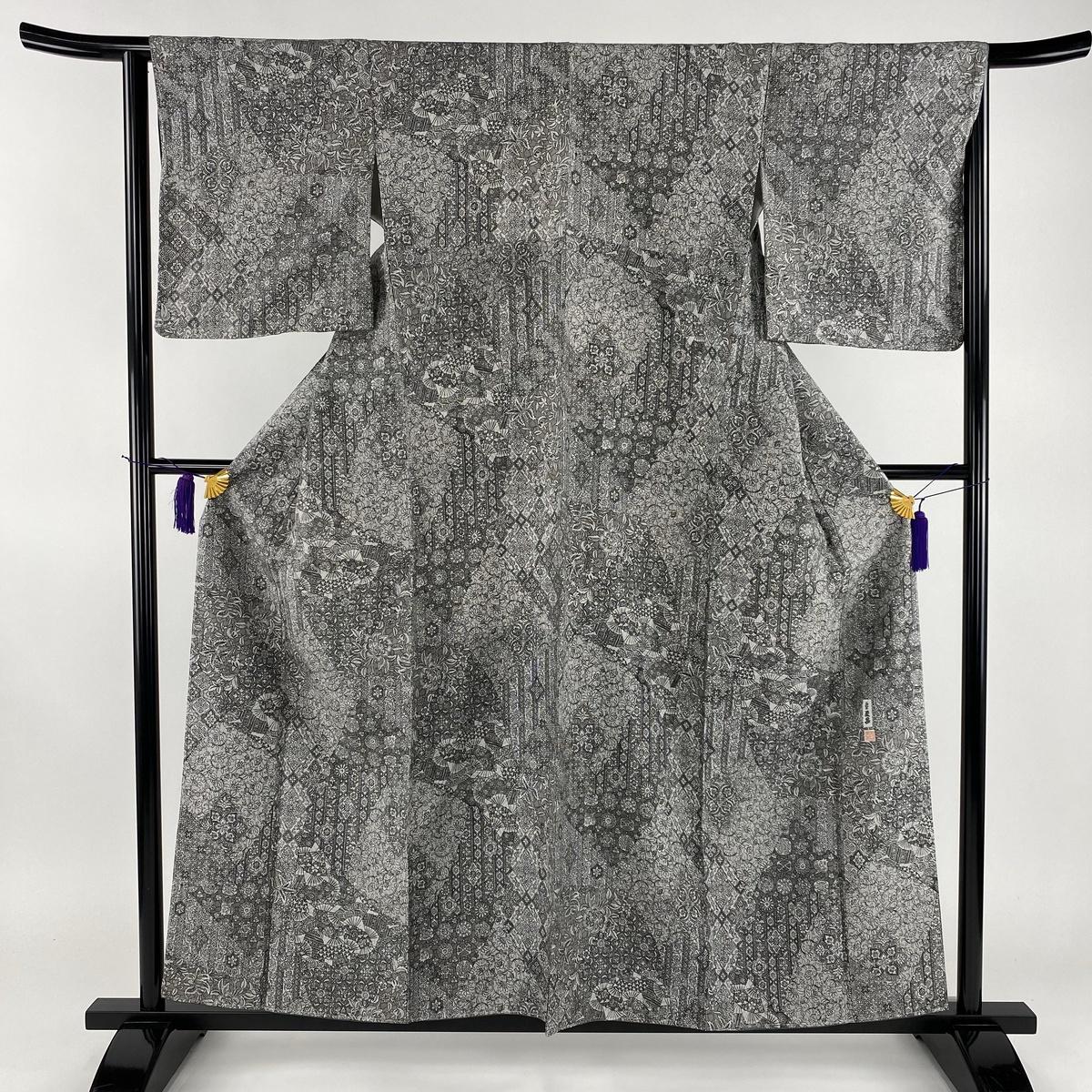 小紋 美品 名品 落款あり やまと 柄寄せ 草花 灰色 袷 身丈158cm 裄丈64cm M 正絹 【中古】