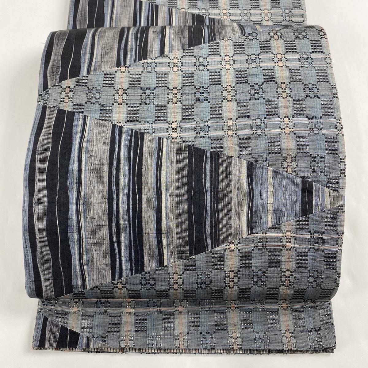 袋帯 美品 秀品 紬地 縞 幾何学 切嵌め 黒灰 全通 正絹 【中古】