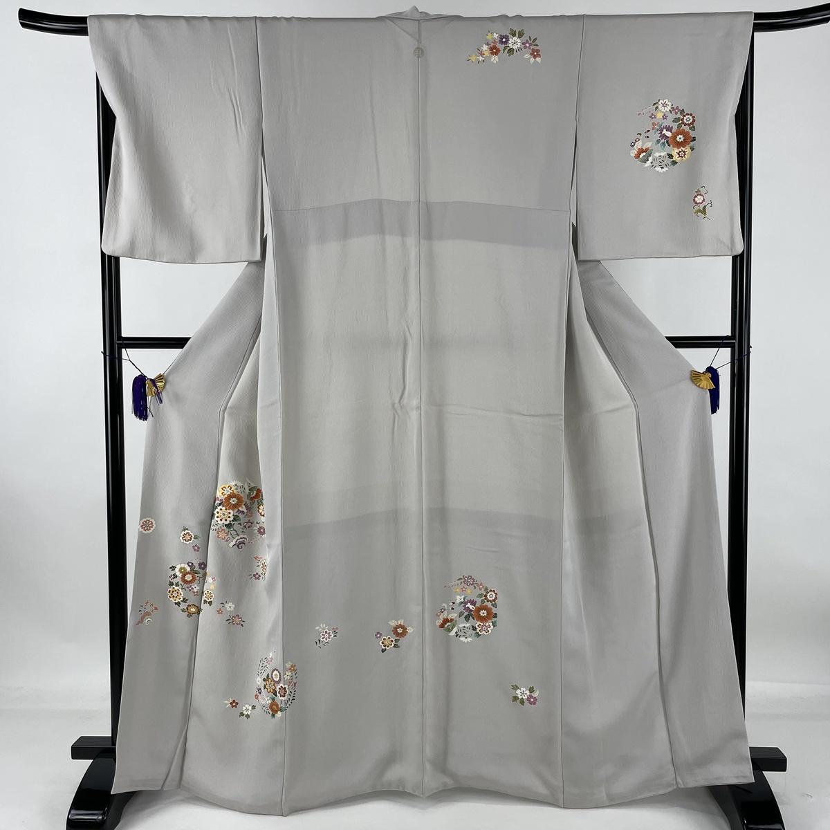 ランクA 着物 使い勝手の良い リサイクル 送料無料 付下げ 美品 値引き 秀品 一つ紋 花丸文 草花 67.5cm 164cm 金糸 中古 金彩 L 灰白 袷 正絹