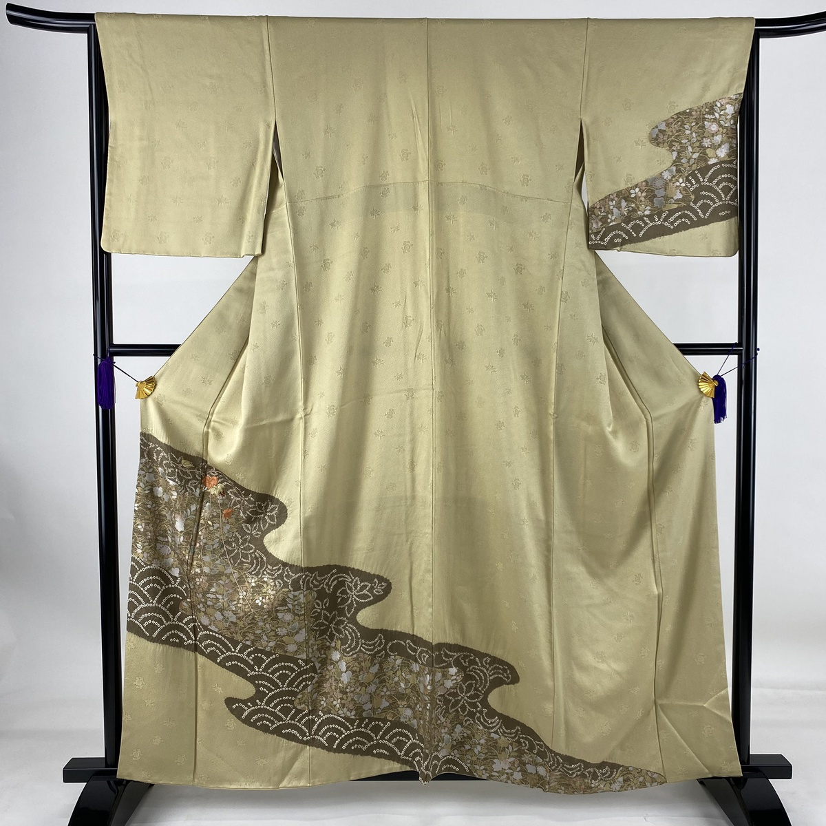 ランクA 着物 リサイクル 送料無料 訪問着 美品 秀品 葉 実 中古 袷 M 数量限定 送料無料でお届けします 身丈160cm 正絹 裄丈65cm 刺繍 抹茶色 絞り
