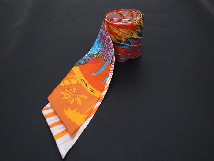 【送料・代引き手数料無料】【中古】【美品】 HERMES エルメス ツイリー・スカーフ シルク100% オレンジ系 Mythiques Phoenix