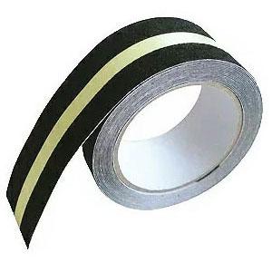 暗所や突然の停電で光り 危険を防止 カーボーイ すべり止めテープ 人気商品 幅50mm×長さ5m ザラザラ 蓄光ライン 正規品 ZARA×2