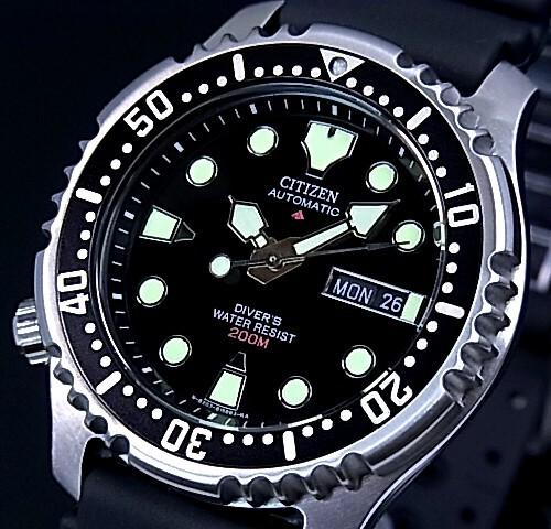 CITIZEN/PROMASTER 남자 시계 200M 방수 다이 버 자동 권 블랙 문자판 블랙 고무 벨트 NY0040-09E (해외 모델)