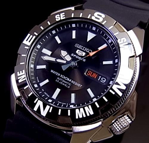 SEIKO/SEIKO5 Sports【セイコー5スポーツ/ファイブスポーツ】自動巻 メンズ腕時計 ラバーベルト ブラック文字盤 SNZE81J2 海外モデル【並行輸入品】 MADE IN JAPAN