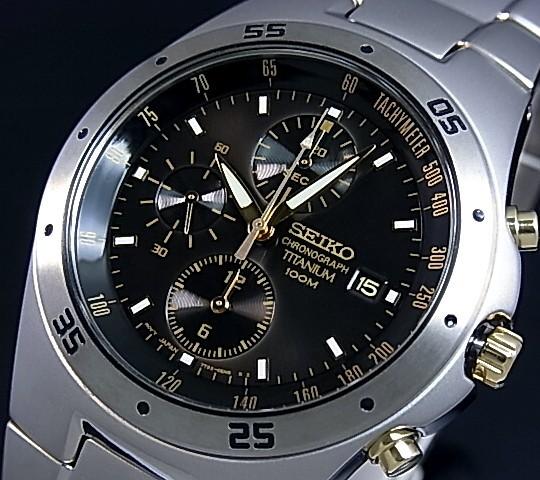 SEIKO/Chronograph【セイコー/クロノグラフ】チタン メンズ腕時計 ブラック文字盤 メタルベルト SND451P1 海外モデル【並行輸入品】