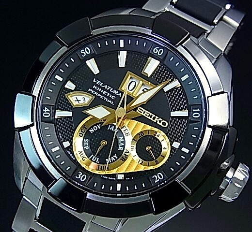 SEIKO/VELATURA【セイコー/ベラチュラ】Kinetic/キネテック ク メンズ腕時計 ブラックベゼル ブラック/ゴールド文字盤 メタル/ラバーコンビベルト SNP119P1 海外モデル【並行輸入品】