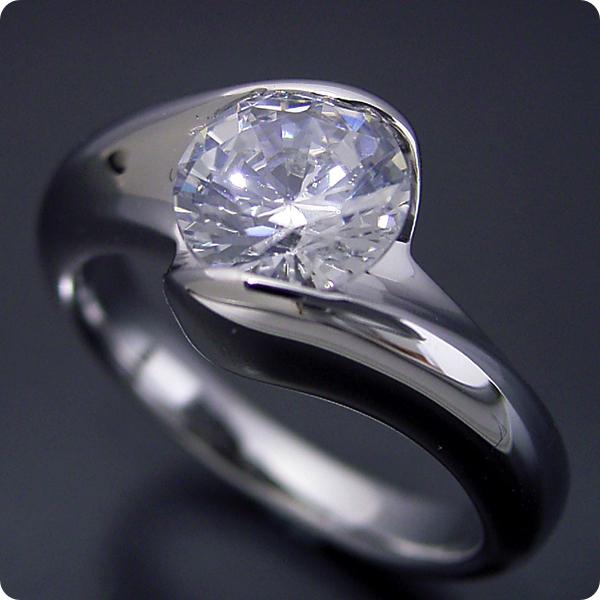 1カラット 婚約指輪 50万円 1ct プラチナ ダイヤモンド プロポーズ ジュエリー プレゼント ブライダル 結婚指輪 マリッジリング エンゲージリング Hカラー-SI2クラス 宝石鑑定書付き 受注生産 1カラット版:流れるようなラインの伏せこみタイプの婚約指輪