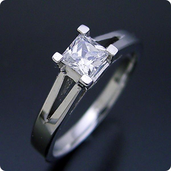 【婚約指輪】エンゲージリング【プリンセスカット】ダイヤモンド【ブライダルジュエリー】プラチナ【結婚指輪】マリッジリング【プリンセスカットのダイヤモンドを使った重厚な婚約指輪】宝石鑑別書付き