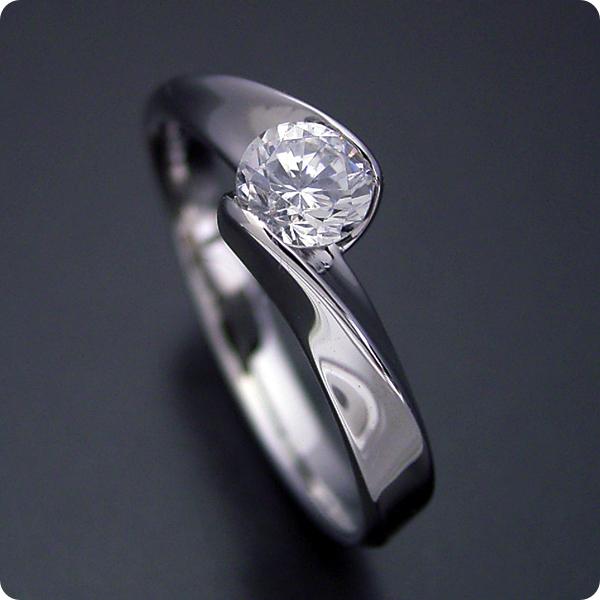 【婚約指輪】エンゲージリング【0.3カラット】一粒【0.3ct】ダイヤモンド【ブライダルジュエリー】プラチナ【結婚指輪】マリッジリング【面がシャキッとして硬質な婚約指輪】標準仕様グレード【宝石鑑別書付き】