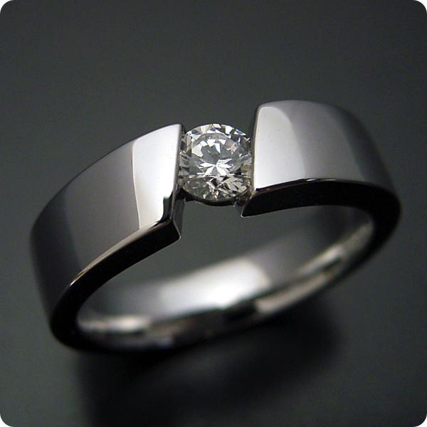 【婚約指輪】エンゲージリング【0.3カラット】一粒【0.3ct】ダイヤモンド【ブライダルジュエリー】プラチナ【結婚指輪】マリッジリング【ゴツくてスタイリッシュな婚約指輪】Dカラー・VVS1クラス・Excellentカット【宝石鑑定書付き】