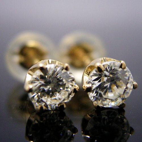 ティファニータイプ6本爪スタッドピアス・K18ゴールド・ダイヤモンド合計0.30カラット