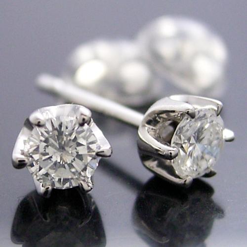 ティファニータイプ6本爪スタッドピアス・プラチナ・ダイヤモンド合計0.30カラット
