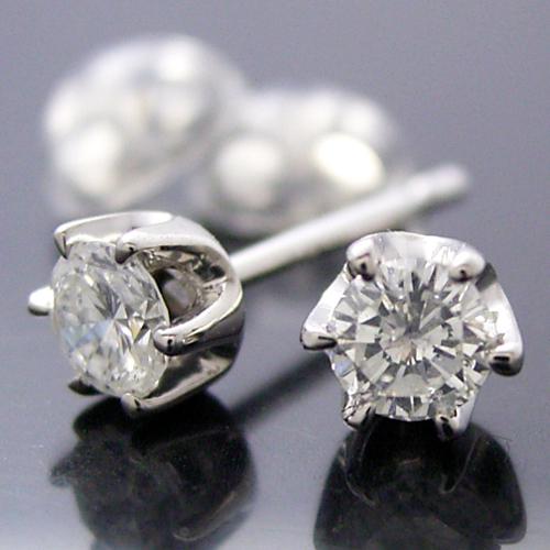 ティファニータイプ6本爪スタッドピアス・プラチナ・ダイヤモンド合計0.50カラット