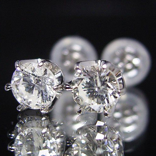 ティファニータイプ6本爪スタッドピアス・プラチナ・ダイヤモンド合計0.60カラット