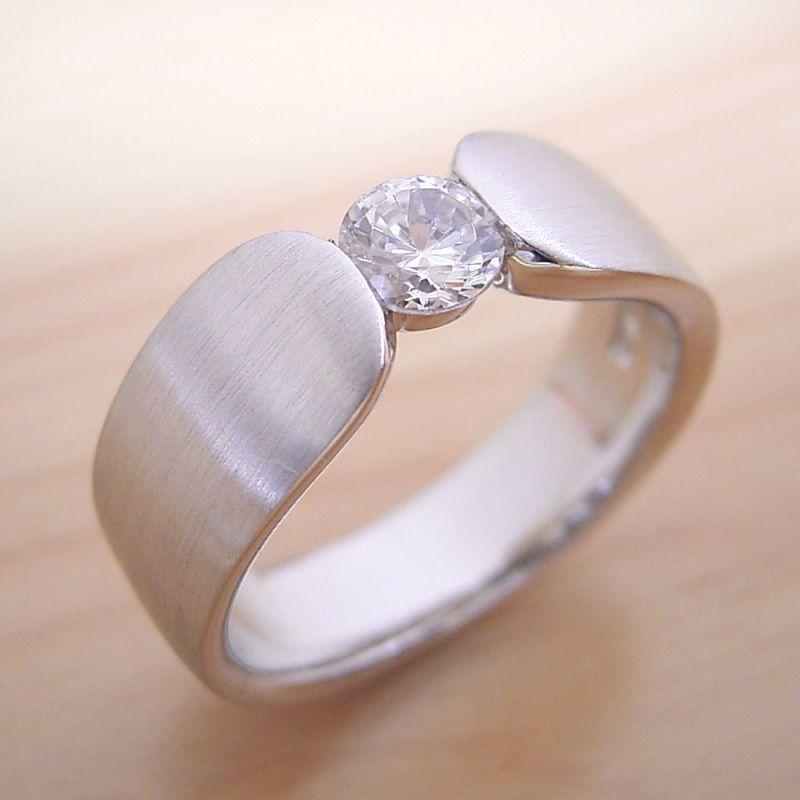 【婚約指輪】エンゲージリング【0.3カラット】一粒【0.3ct】ダイヤモンド【ブライダルジュエリー】プラチナ【結婚指輪】マリッジリング【指当たりが最高の婚約指輪】Dカラー・VVS1クラス・Excellentカット【宝石鑑定書付き】