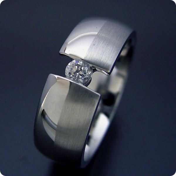 【婚約指輪】エンゲージリング【0.1カラット】ダイヤモンド【ブライダルジュエリー】プラチナ【結婚指輪】マリッジリング【ダイヤよりも着け心地を重視した婚約指輪】標準仕様グレード【宝石鑑別書付き】
