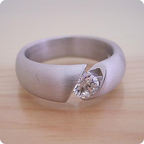 【婚約指輪】エンゲージリング【0.3ct】一粒【0.3カラット】ダイヤモンド【ブライダルジュエリー】プラチナ【結婚指輪】マリッジリング【最高の着け心地の婚約指輪】Dカラー・VVS1クラス・Excellentカット・H&Q【宝石鑑定書付き】