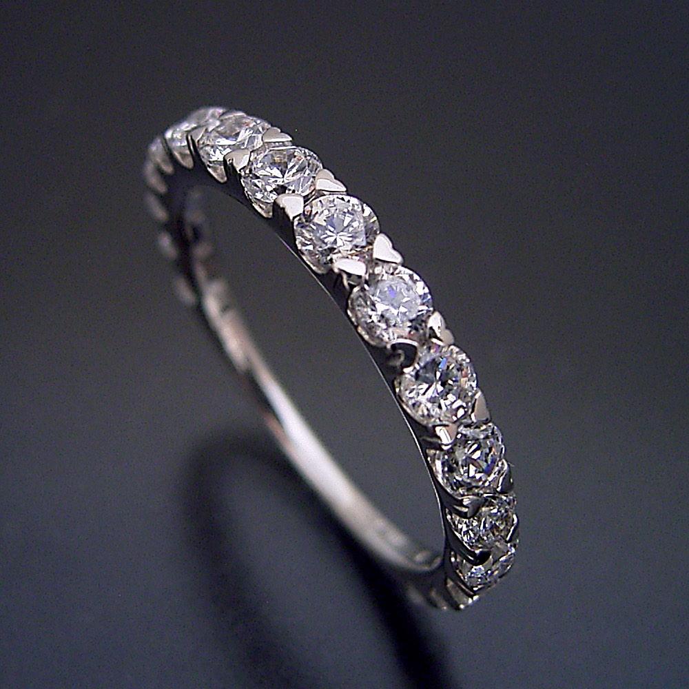 合計1カラット 婚約指輪 結婚指輪 エタニティリング エンゲージリング マリッジリング ダイヤモンド プラチナ ジュエリー ブライダル プロポーズ用 0.5カラット ハート「爪がハートデザインの遊び心いっぱいなハーフエタニティリング」宝石鑑別書付き