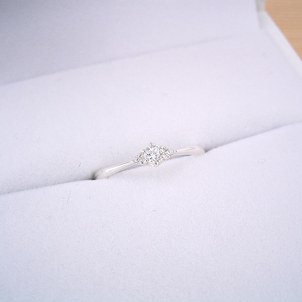 buy popular 673e1 8b88a 婚約指輪】ダイヤモンド【エンゲージリング】プラチナ【ピンキー ...