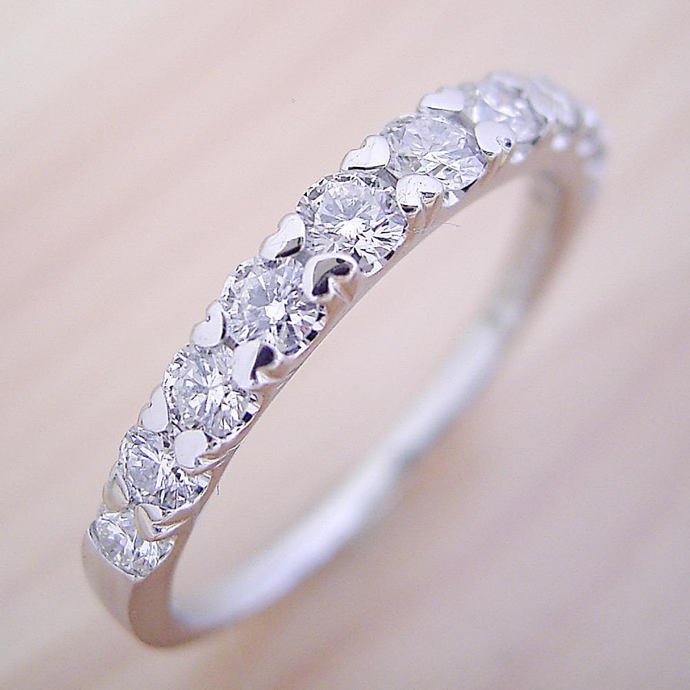 婚約指輪 結婚指輪 エタニティリング エンゲージリング マリッジリング ダイヤモンド プラチナ ジュエリー ブライダル プロポーズ用 0.3カラット ハート「爪がハートデザインの遊び心いっぱいなハーフエタニティリング」宝石鑑別書付き