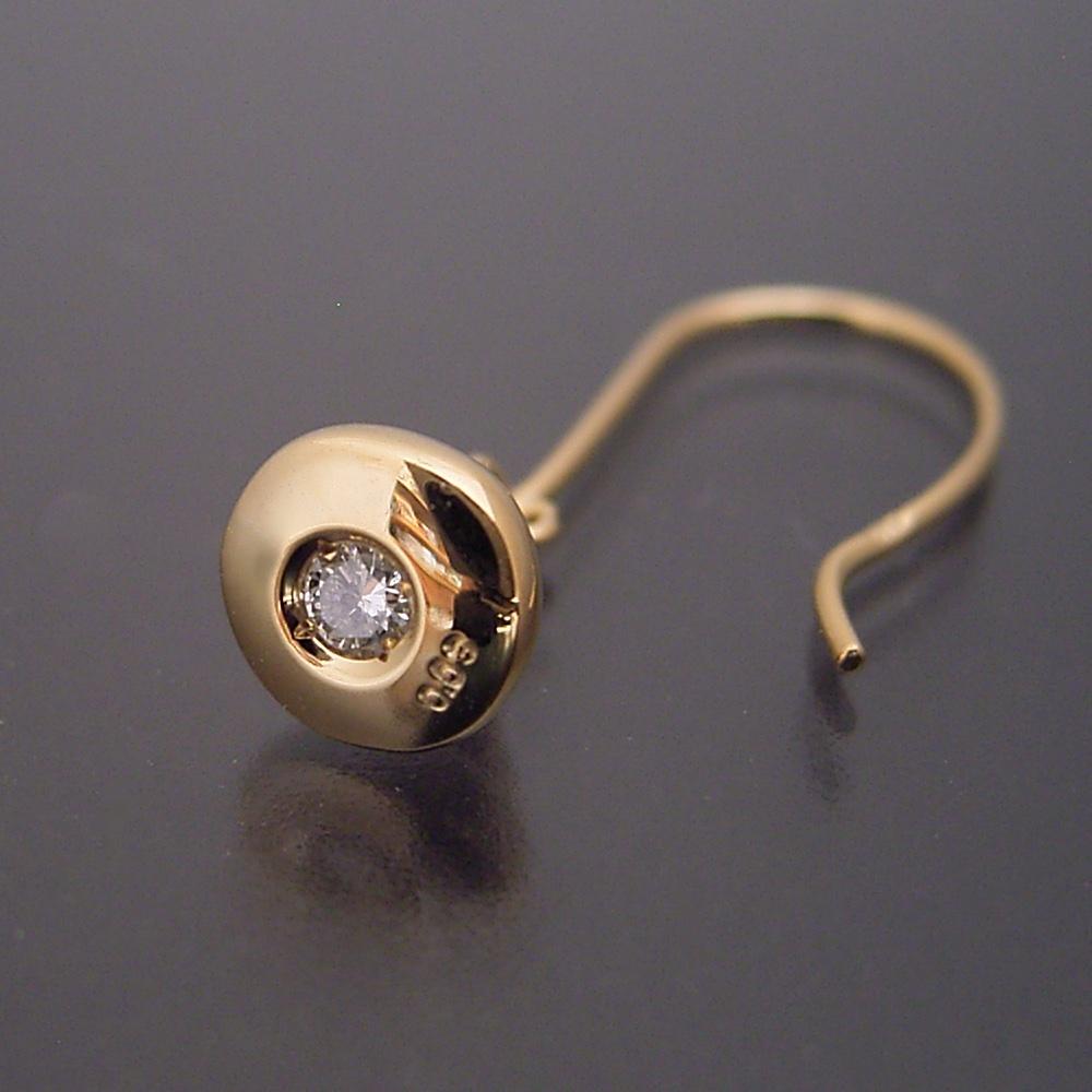 金のフルうんこ ぶら下げピアス 宝石入り 片方のみ 18金 指輪 ゴールド ウンコ うんち ウンチ プレゼント サプライズ