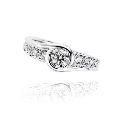 10粒のダイヤモンドが織り成す無限の広がり Sweet 人気の製品 10 Diamond 祝開店大放出セール開催中 PT900 Circle-10046