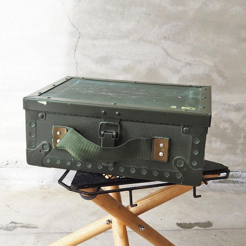 スウェーデン軍のアミニッション 弾薬箱 ボックス SS21Z MILITARY 販売期間 限定のお得なタイムセール ミリタリー スウェーデン軍 SWD アミニッション ウッドボックス S 宅送 BX164UN H8L 収納 アメリカン雑貨 アウトドア 収納ボックス 実物ミリタリー BOX 小物入れ 軍モノ 軍物 スウェーデン キャンプ スチール 収納ケース
