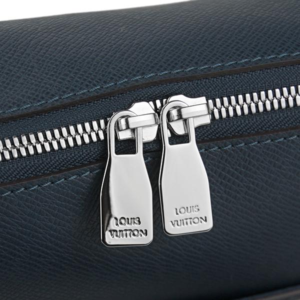 루이비통 숄더백 Louis Vuitton M30236 밧그타이가 TAIGA 그리고리・메신저 PM맨즈 OCEAN(오세안) 네이비감색 플랩 상품 럭셔리