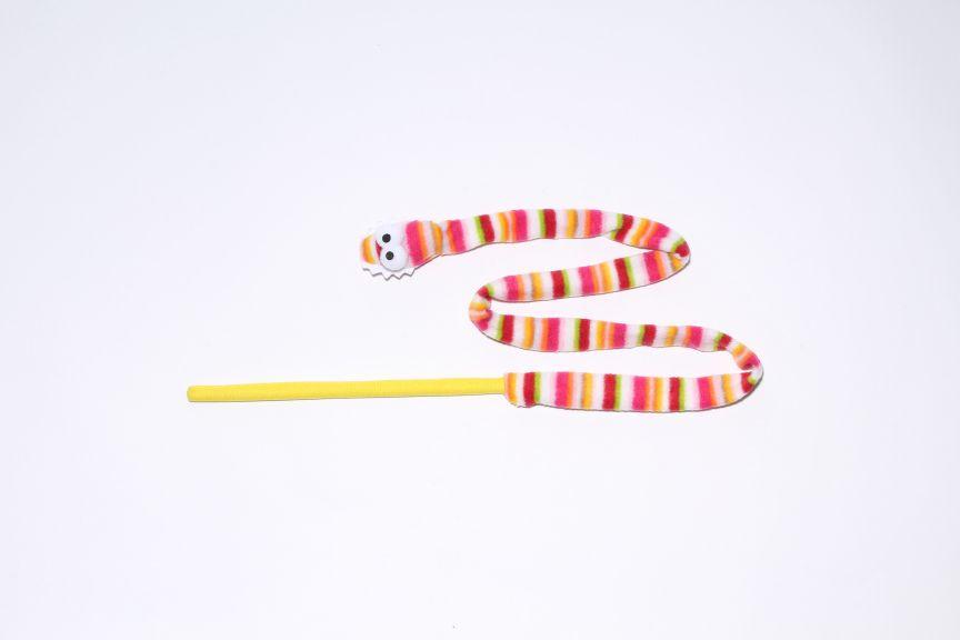 猫用おもちゃ ループロッディーズ ガラガラヘビ  ROOP 【猫/おもちゃ/猫じゃらし】