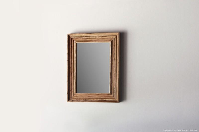 虫喰い材の表情を楽しむ壁掛けミラー 縦掛け 新作からSALEアイテム等お得な商品満載 業界No.1 横掛け両方対応 虫喰いの壁掛け鏡 リツリ RetRe A4
