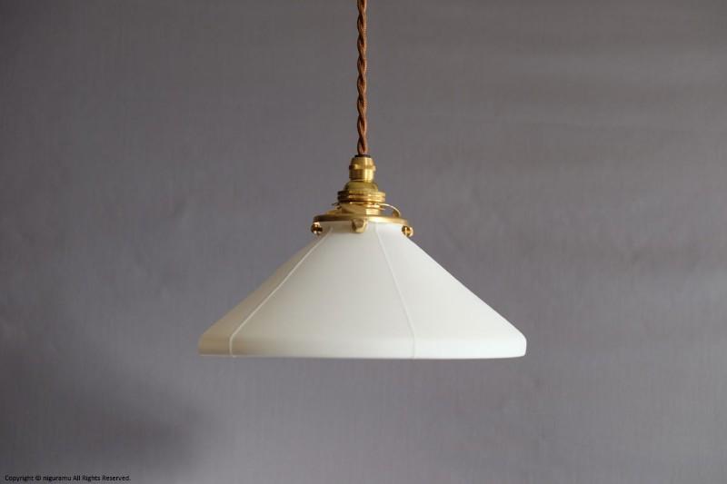 ランプシェード Cone M, Odd line #3 (harf) / ホワイト (シェードのみ/灯具別売り)【飛松陶器】