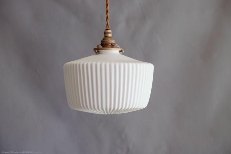 ランプシェード Cylinder L, fin (close) / ホワイト (シェードのみ/灯具別売り)【飛松陶器】