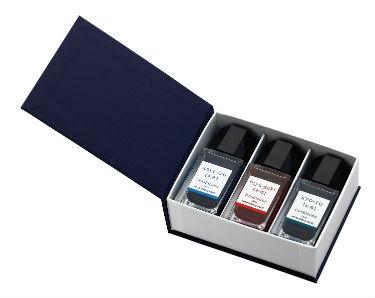 選べるミニサイズの3色セット新登場 色彩雫は美しい日本の美しい自然や景色から創造された彩り豊かなインキです パイロット 色彩雫ミニ 現金特価 ミニ3本セット万年筆一般書記用インキ オリジナル INK-15-3 iroshizuku