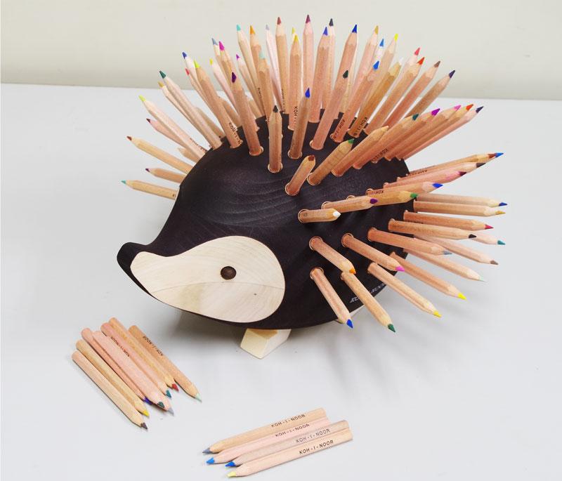 【名入れ無料】机の上のアンティークにも最適 KOH-I-NOOR ハリネズミ型色鉛筆スタンド(大)
