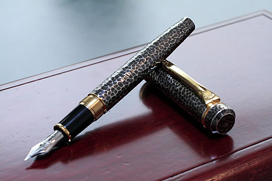 Platinum Ltd brush forged money and gold antique fountain pens
