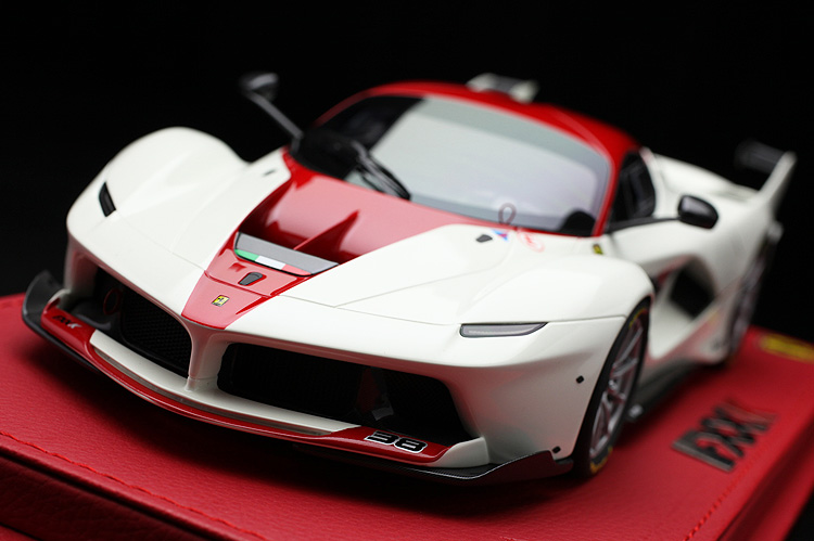 White/Met 1/18 Roof FXX ミニカー 38 ラフェラーリ K car P18119HK Red 【平日即日発送可能】BBR Laferrari no. ferrari モデルカー 送料無料 Corsa