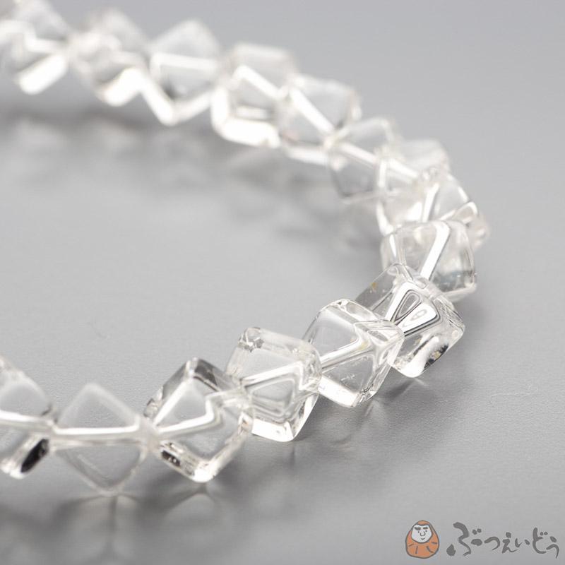 ブレスレット・本水晶サイコロ型