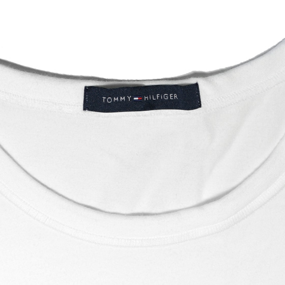 1f4353c0192242 source inside the neck □ · mainimage3 □ print up □ Who left the prints with Tommy  Hilfiger. ...