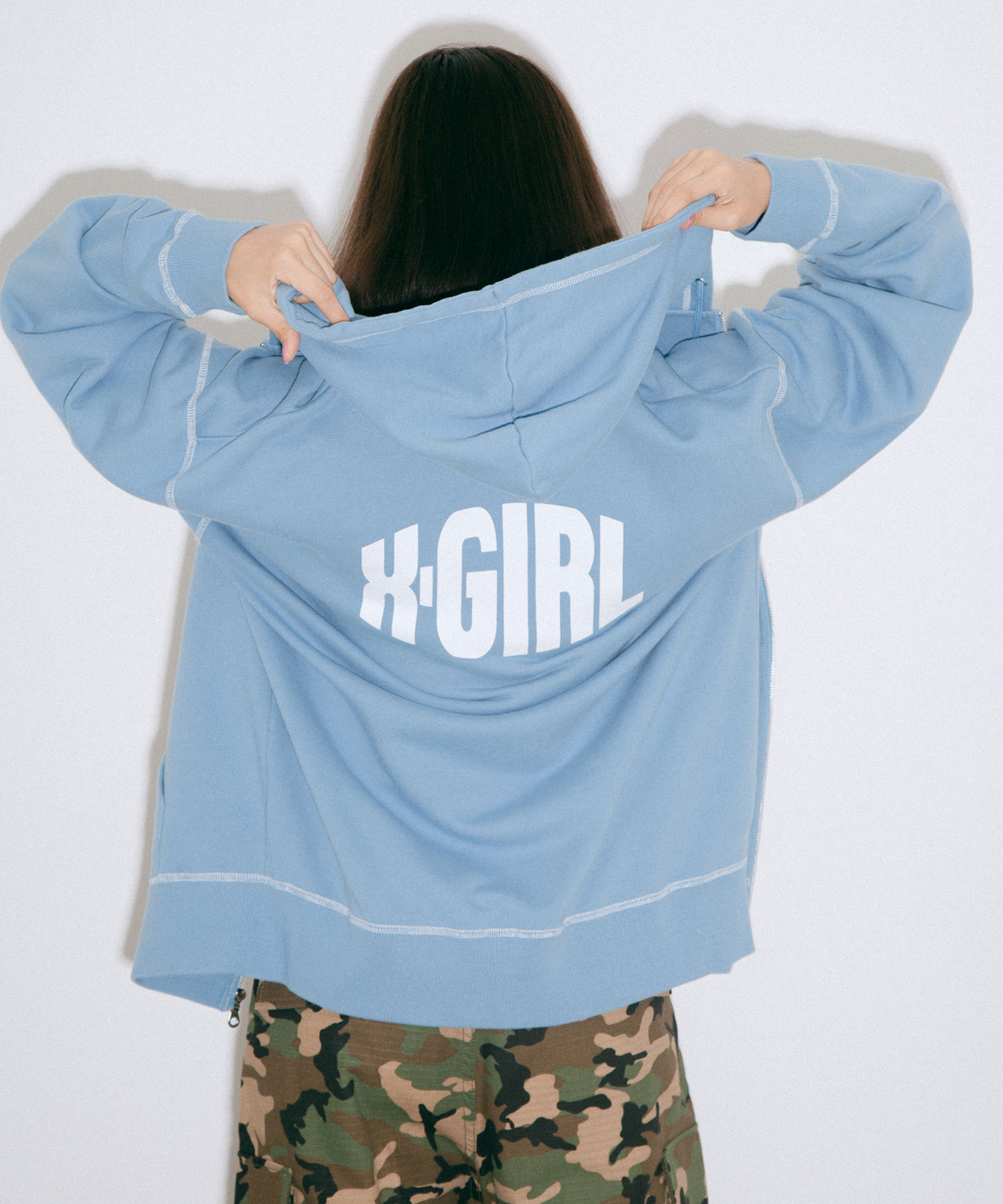 【公式】X-girlエックスガールCURVEDLOGOZIPUPSWEATHOODIEフーディージップパーカーロゴ羽織スウェットジップアップレディース新作トップス大きめ人気
