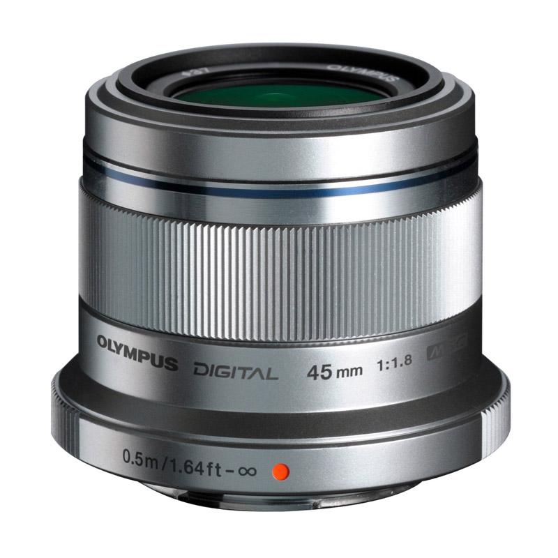 【6月1日0:00-6月1日23:59エントリー&カード決済でポイント8倍!】OLYMPUS オリンパス マイクロフォーサーズ用中望遠単焦点レンズ M.ZUIKO DIGITAL 45mm F1.8シルバー