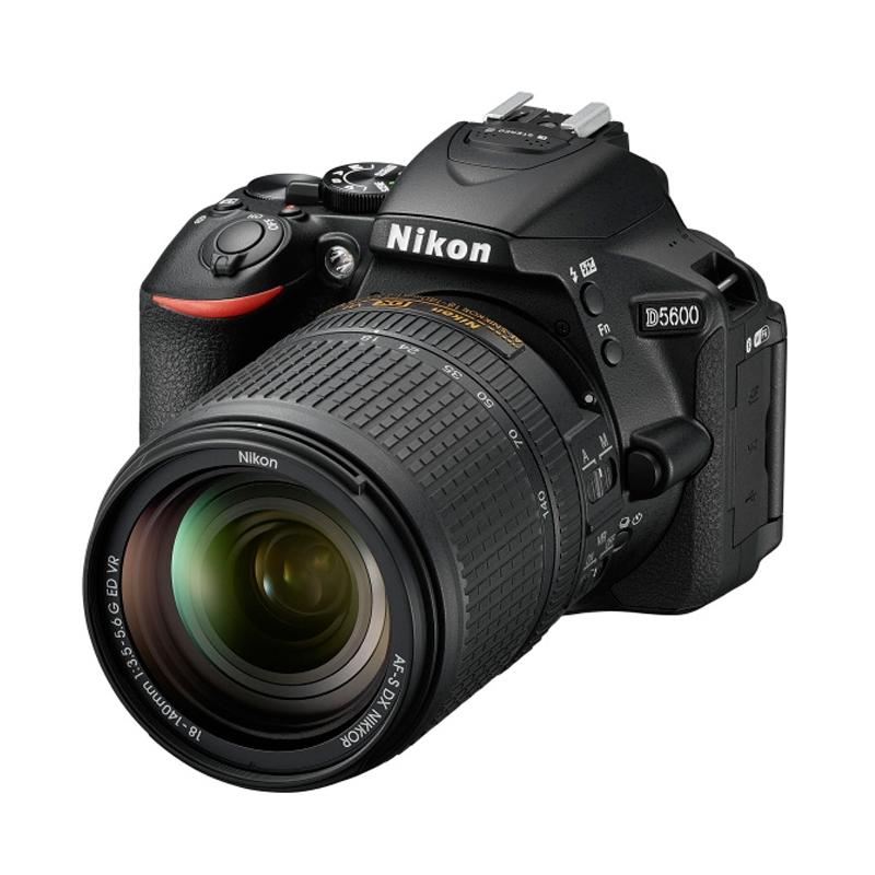 【6月1日0:00-6月1日23:59エントリー&カード決済でポイント8倍!】Nikon ニコン デジタル一眼レフカメラ D5600 18-140 VR レンズキット
