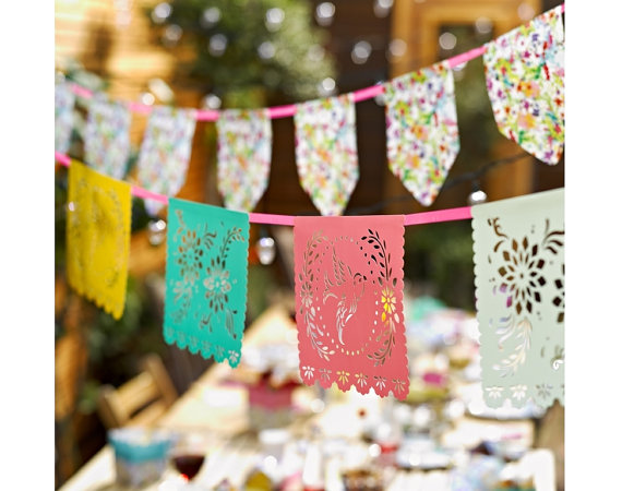 夏のメキシカンパーティにぴったり REMEMBER ME お洒落 カッティングペーパーバナーガーランドfiesta 使い勝手の良い Floral Fiesta