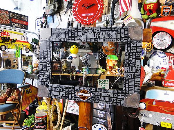 【全国送料無料】ハーレーダビッドソン リピートロゴ・ビッグサイズミラー ■ こだわり派が夢中になる!人気のアメリカ雑貨屋 通販 アメリカ雑貨 アメリカン雑貨 インテリア雑貨 カッコイイ男の部屋!おしゃれ 人気 生活雑貨 壁飾り