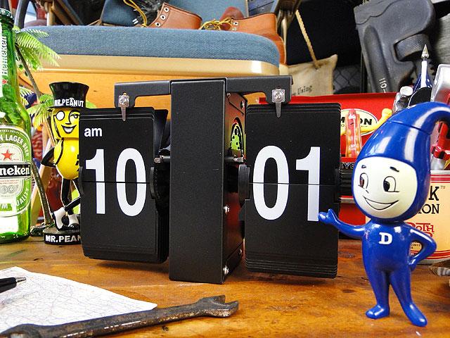 機械ムキだしの見た目 パタパタ時計 SLOWER 新登場 永遠の定番モデル フリップクロック ルフト スロウワー